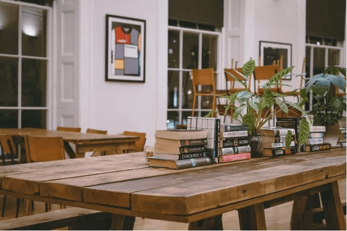 booksPlantDesk.PNG